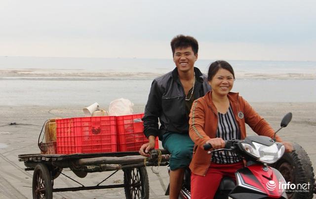 Trúng đậm mùa ruốc biển, ngư dân xứ Nghệ kiếm tiền triệu mỗi ngày - Ảnh 11.