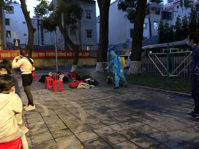 Hành trình về nước bão táp của nữ du học sinh: Những chuyến bay cuối cùng về Việt Nam và bát cháo hành của các chú bộ đội - Ảnh 14.