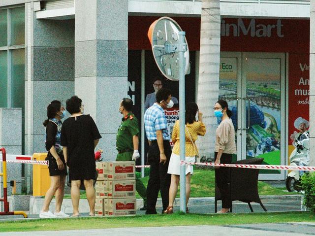 TPHCM phong tỏa 2 chung cư cao cấp vì các ca lây nhiễm từ quán bar Buddha - Ảnh 2.