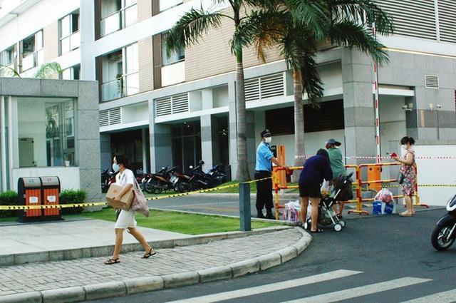 TPHCM phong tỏa 2 chung cư cao cấp vì các ca lây nhiễm từ quán bar Buddha - Ảnh 3.
