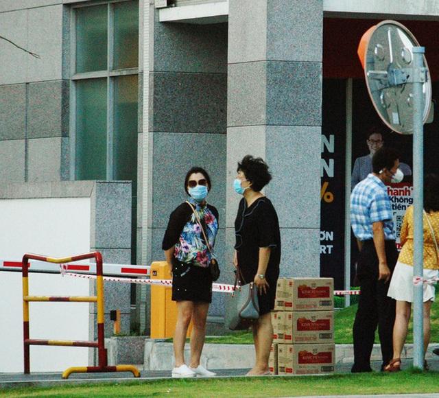 TPHCM phong tỏa 2 chung cư cao cấp vì các ca lây nhiễm từ quán bar Buddha - Ảnh 7.