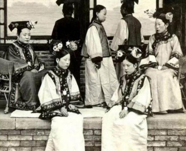 Triều nhà Thanh có hơn 200 nghìn nữ nhân, tại sao đa số các bức ảnh phi tần hậu cung được lưu giữ đến ngày nay lại kém sắc như thế? - Ảnh 2.