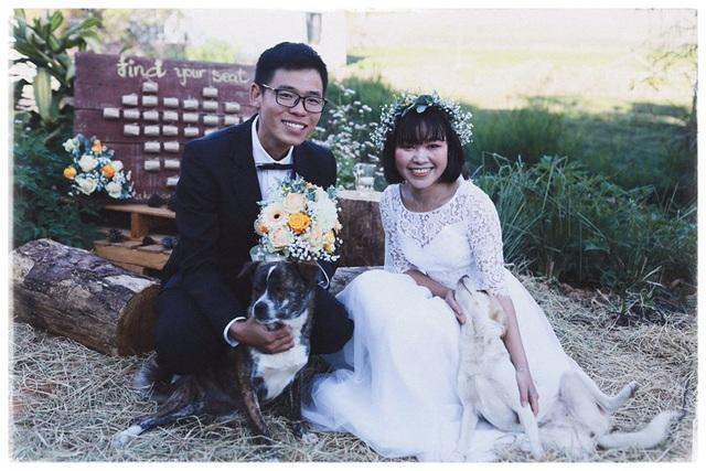 Độc đáo đám cưới tự tay làm hết của cặp đôi sống tối giản Đà Lạt: Cho khách ngồi lên rơm, đến chung vui còn có quà handmade mang về - Ảnh 11.