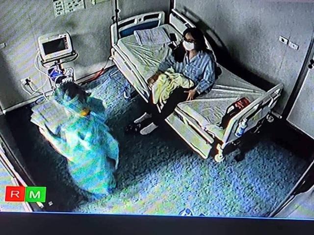 Nữ bệnh nhân nhiễm Covid-19 có biểu hiện stress vì đọc thông tin cộng đồng mạng bày tỏ thái độ giận dữ với mình - Ảnh 4.