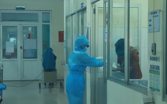Nữ nhân viên Điện Máy Xanh dương tính với Covid-19 bị lây bệnh như thế nào?