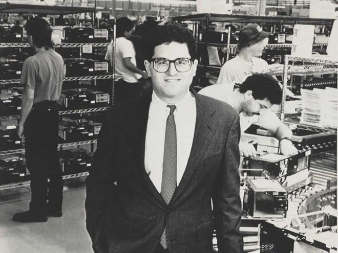 dell - photo 1 15523835392471242163004 - Chân dung nhà sáng lập hãng Dell: Tỷ phú Do Thái máu kinh doanh từ bé, trái lời bố mẹ bỏ trường Y để khởi nghiệp