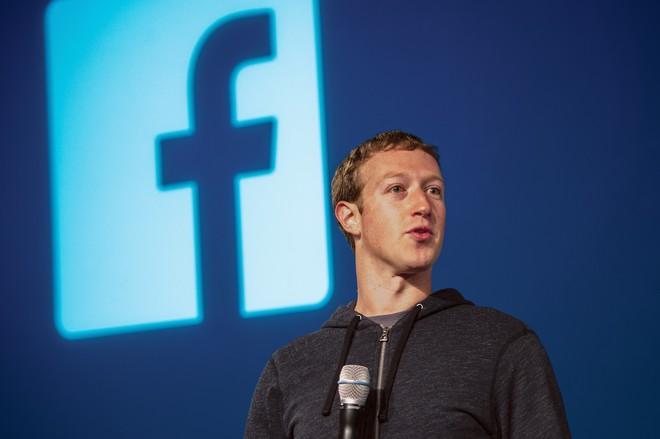 mark zuckerberg, facebook - photo 1 1554881506316568714719 - Mark Zuckerberg: Ông hoàng Do Thái mù màu sáng lập nên mạng xã hội Facebook