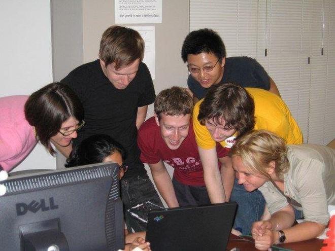 mark zuckerberg, facebook - photo 1 15548815389401419506285 - Mark Zuckerberg: Ông hoàng Do Thái mù màu sáng lập nên mạng xã hội Facebook