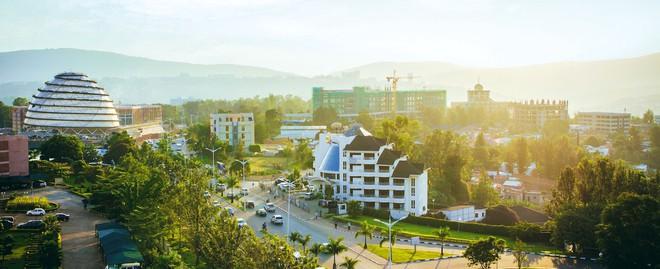 rwanda - kigali city scene 1562636916126433043294 - Bí mật của thành phố sạch nhất châu Phi: Cấm đồ nhựa, tháng nào cũng tổ chức ngày 'toàn dân dọn dẹp'