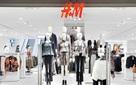 HOT: Cần gì đợi lâu, H&M Hà Nội chính thức khai trương tại Royal City vào 11/11 rồi này!