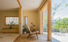 Ngôi nhà 2 tầng được thiết kế cực kỳ thông minh của cặp vợ chồng trẻ người Nhật