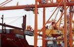 """Báo kinh tế lớn của Nhật Bản: Việt Nam """"thiệt đơn thiệt kép"""" trong chiến tranh thương mại Mỹ - Trung"""
