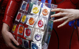 Ở Venezuela, một hộp bao cao su có thể có giá tới 20.000 USD mà vẫn không có hàng