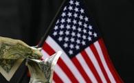 USD rớt giá chóng mặt khi Trump gần về đích