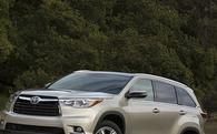 Toyota triệu hồi Highlander 2016 vì lỗi đèn cảnh báo dầu phanh