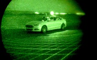 Xem chiếc xe tự lái của Ford di chuyển trong đêm tối mà không cần đèn chiếu sáng
