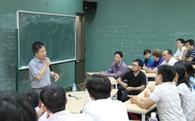 Sinh viên Anh giỏi kỹ năng mềm nhưng học Toán - KHCN - Kỹ Thuật lại không bằng sinh viên Việt Nam