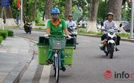Mới mẻ hình ảnh xe đạp dọn rác ở Thủ đô