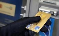 Thêm một chủ thẻ ATM bỗng dưng mất tiền
