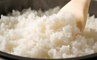 Có nên hâm nóng lại cơm thừa để ăn không?