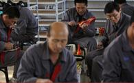 """Thời trang Triều Tiên ẩn mình dưới nhãn """"Made in China"""" để tránh lệnh trừng phạt"""