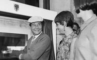 Cách đây 50 năm, chiếc máy này ra đời và đã tạo ra cả 1 cuộc cách mạng trong ngành ngân hàng