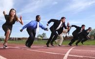 Vì sao không nên nghĩ tới chuyện cạnh tranh công bằng?