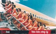 Cho nữ tiếp viên mặc đồ sexy trước Vietjet gần nửa thế kỷ, hãng bay này ghi điểm bằng tình yêu, sự hài hước đầy tinh tế và dịch vụ khách hàng tuyệt vời