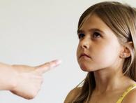 """Con trẻ """"càng dạy càng hư"""" vì 9 hành động này của bố mẹ: Điều thứ 2 nhiều người mắc phải!"""