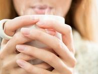 Trời chuyển lạnh, tăng cường uống nước ấm ngay để hưởng đủ 7 lợi ích tuyệt vời sau