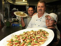 """Món ăn """"độc nhất vô nhị"""" của thổ dân Úc, nhìn đáng sợ hơn cả đuông dừa Việt Nam"""