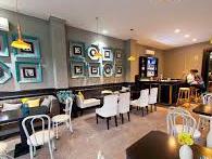 Mới chân ướt chân ráo mở quán cà phê, việc thiết kế không gian nên tự làm hay đi thuê ngoài cho chắc?