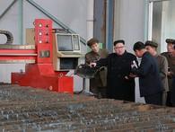 Ông Kim Jong Un quyết đưa nền công nghiệp ô tô Triều Tiên sánh ngang tầm thế giới
