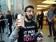 """Fan cuồng iPhone: """"Tôi đã xếp hàng 11 ngày để mua iPhone 8 nhưng tôi chả thích nó tí nào cả"""""""