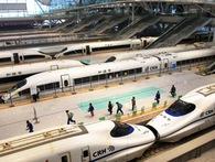 Trung Quốc đã biến hệ thống đường sắt quá tải, cũ kĩ thành siêu cường đường sắt cao tốc ra sao?