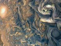 Tàu thăm dò của NASA đã chụp được những hình ảnh không thể tin được của Sao Mộc!