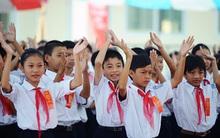 Tin vui: Học sinh tiểu học chính thức được miễn đóng học phí bắt đầu từ ngày 1/7, học sinh ngoài cơ sở công lập được hỗ trợ học phí