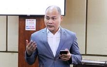 CEO Nguyễn Tử Quảng giải thích các thuật ngữ của ứng dụng khẩu trang điện tử Bluezone, tiết lộ đã có 10 triệu lượt tải