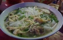 Bất ngờ với quán phở 5.000 đồng tại Nam Định: Bát đầy đặn nhưng rẻ chỉ bằng gói mỳ tôm, 15 năm không tăng giá