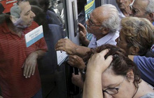 Ảnh hưởng khủng hoảng Hy Lạp đã đến... Việt Nam