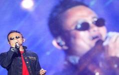 Không chỉ kiếm tiền giỏi, tỷ phú Jack Ma còn đóng phim võ thuật và tự thu âm ca khúc chủ đề