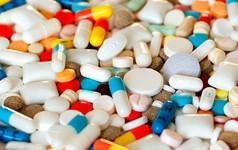 Các nhà khoa học tìm ra một tác dụng phụ mới của kháng sinh, gây suy yếu phản ứng miễn dịch