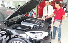 Tắc đường về, ô tô nhập khẩu tăng cả trăm triệu