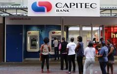 """Kỳ tích đưa một ngân hàng """"tí hon"""" thành gã khổng lồ lớn nhất Nam Phi: Chiến lược đi từ quê ra phố, tiếp cận dân nghèo rồi mới chinh phục giới thượng lưu"""