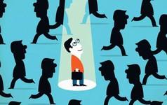 Học ngay 10 bí quyết giao tiếp này, không trở thành cao thủ thì cũng không bị lạc lõng giữa cuộc trò chuyện đông người