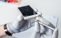 Apple bị buộc tội tính giá sửa thiết bị quá cao, ngăn người dùng tự sửa máy