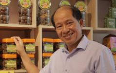 Ông chủ ô mai Hồng Lam truyền kinh nghiệm sales cho nhân viên: Hãy để ý tới khách hàng vãng lai, vì đấy mới là nhóm mua nhanh, mua nhiều nhất!