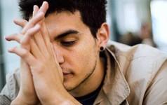 Là đàn ông, đáng sợ hơn cả nghèo là gì? Quen với việc trốn tránh, mãi mãi chỉ có thể làm một người kém cỏi