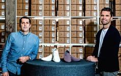 Từ sự nghiệp 'quần đùi áo số' đến ông chủ của startup giày thể thao trị giá 1,4 tỷ USD