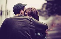 Người phụ nữ yêu bạn đậm sâu mới có 4 biểu hiện này: Nếu không biết trân trọng sẽ hối hận cả đời